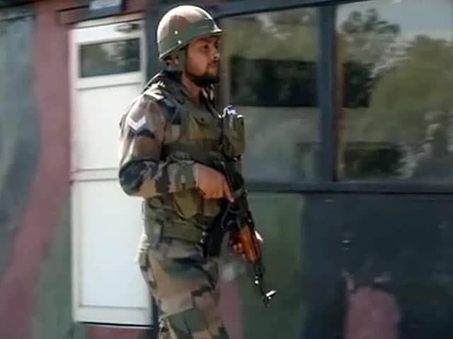Videos : जम्मू-कश्मीर : बॉर्डर पर BSF की जवाबी फायरिंग में पाकिस्तान के 7 रेंजर ढेर