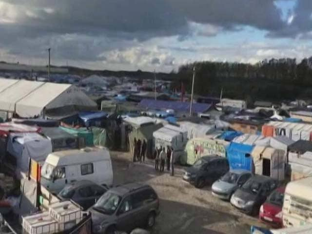 Video : Calais Migrants Fear Violence As France Preps To Demolish 'Jungle' Camps