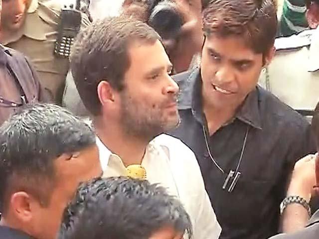 Video : पूर्व सैनिक के परिजनों से मिलने RML पहुंचे राहुल गांधी हिरासत में लिए गए