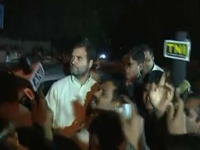 Video : Rahul Gandhi Detained By Police From OROP Protest Site At Jantar Mantar