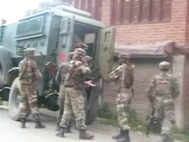 Videos : जम्मू-कश्मीर में लश्कर-ए-तैयबा से जुड़ा आतंकी उमर खलीक गिरफ्तार