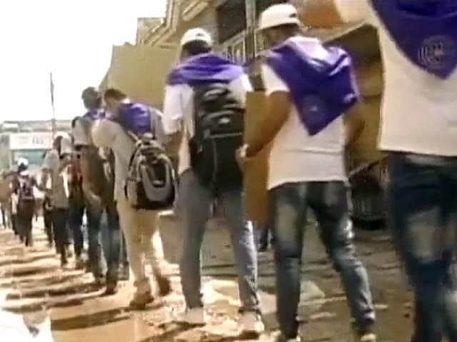 Video : बनेगा स्वच्छ इंडिया : मिलिए स्वच्छ मुहिम से जुड़ी शख्सियतों से