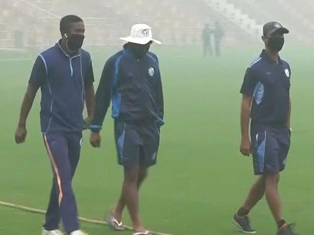 Videos : प्रदूषण का असर क्रिकेट पर : दिल्ली में रणजी का मैच रद्द