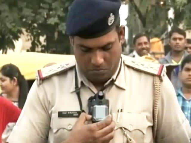 Video : गुड़गांव में ट्रैफिक पुलिस की वर्दी पर वीडियो कैमरा