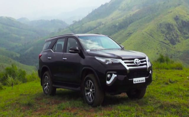 toyota fortuner price in raipur get on road price of toyota fortuner. Black Bedroom Furniture Sets. Home Design Ideas