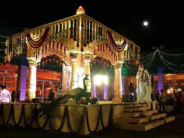 Video : A Big Fat Wedding In Bengaluru Amid Cash Crunch