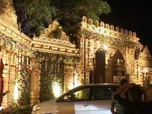 Video : 50,000 Guests At Big Fat Reddy Wedding in Bengaluru. And A Few Taxmen