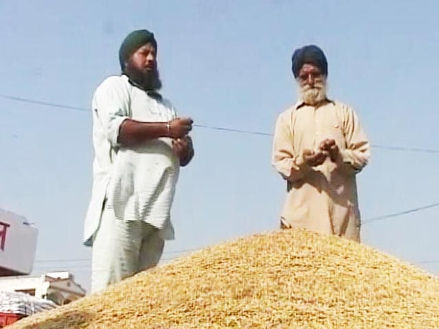 Video : Farmers Allowed To Withdraw Upto Rs. 25,000 Per Week