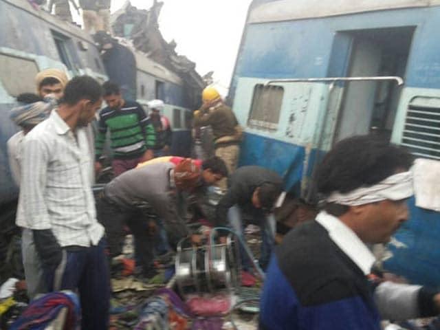 Videos : इंदौर-पटना एक्सप्रेस कानपुर के पास दुर्घटनाग्रस्त, 133 लोगों की मौत