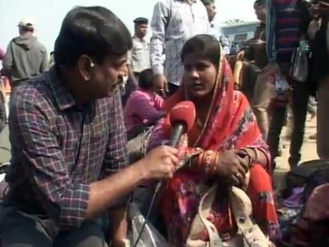 Videos : कानपुर ट्रेन हादसा : चश्मदीद ने कहा- ऐसी आवाज आई मानो कोई बम फटा हो