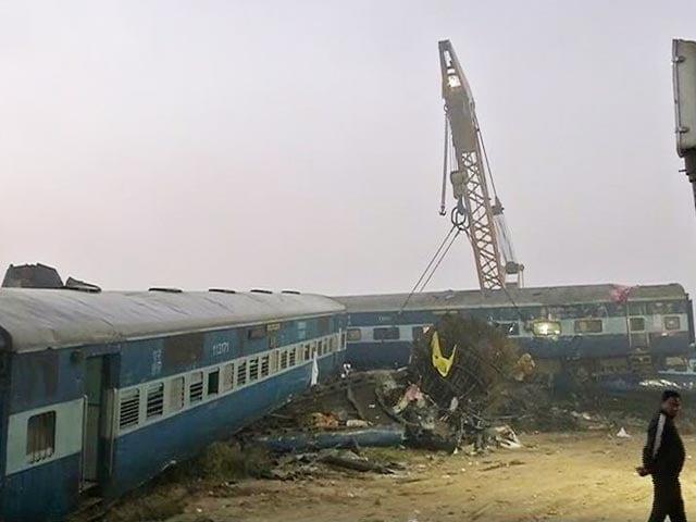 Videos : पटरियों में दरार हो सकती है कानपुर रेल हादसे की वजह : सूत्र