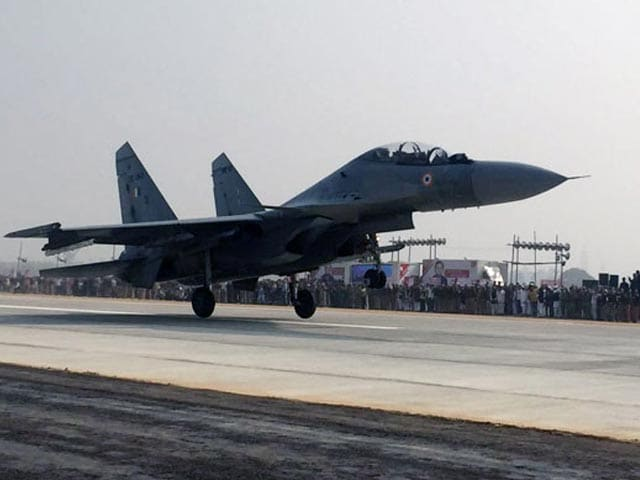 Video : 6 Jets Touch Down For Opening Of Agra-Lucknow Expressway, India's Longest