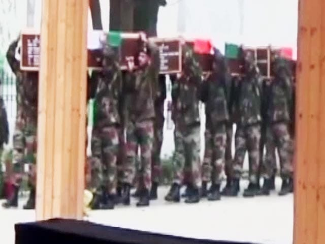 Video : India Pays Tribute To 3 Soldiers Killed By Pak Army