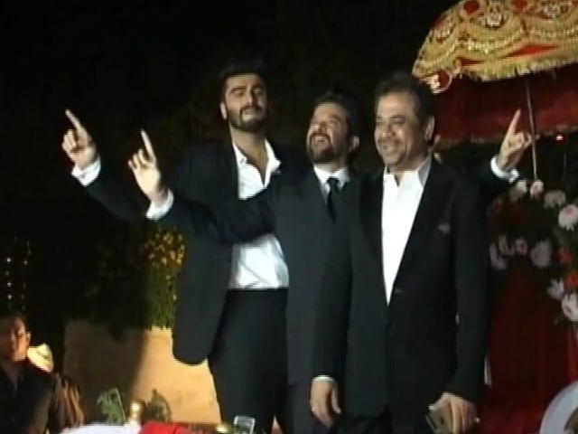Video : चंडीगढ़ में भांगड़ा करते अनिल और अर्जुन कपूर