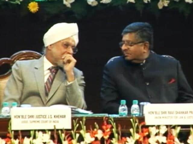 Videos : इंडिया 9 बजे : न्यायपालिका और सरकार में बढ़ता टकराव