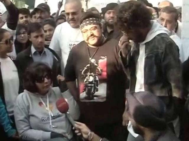 Videos : वॉकेथॉन : गुरुग्राम में इरफान खान और दीपा मलिक रहे मौजूद