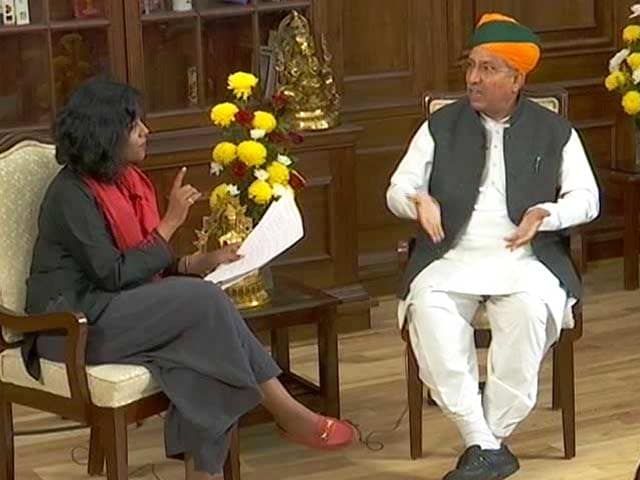 Video : 'Loot And Plunder? Congress Would Know': Union Minister On Dr Singh Jibe