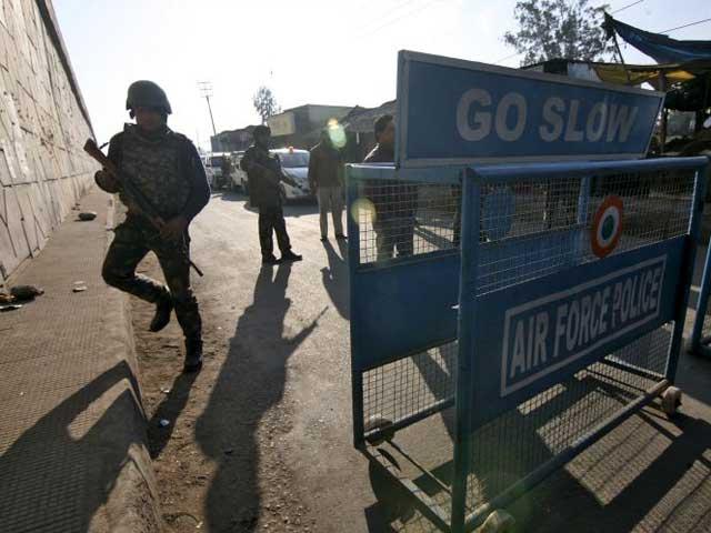 Videos : पठानकोट एयरबेस हमला : अब सरकार ने कहा कि छह नहीं, चार आतंकी थे