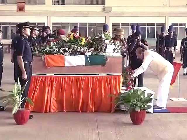 Video : बेंगलुरु में शहीद मेजर अक्षय गिरीश कुमार को श्रद्धांजलि दी गई
