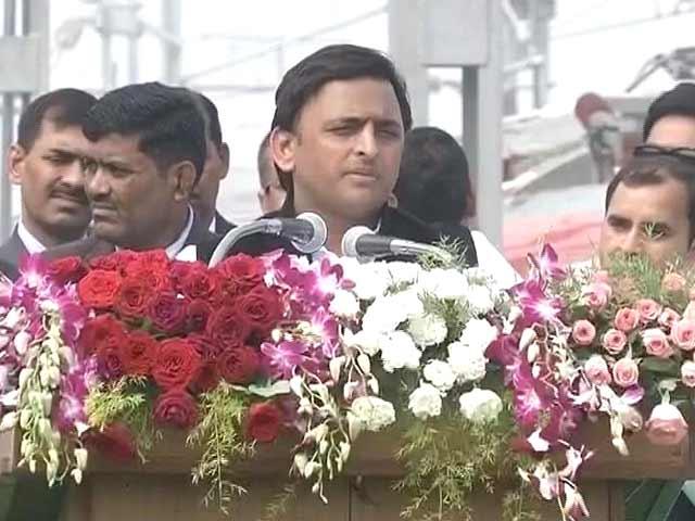 Videos : लखनऊ मेट्रो के ट्रॉयल रन का शुभारंभ