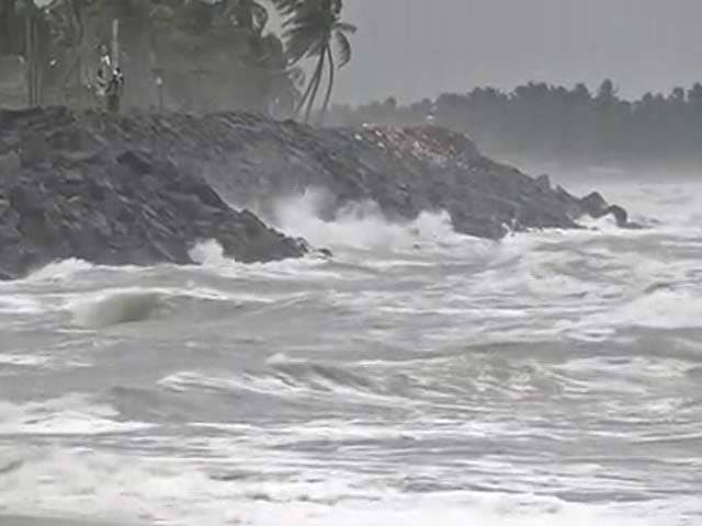 Video : Cyclone Nada Weakens, Heavy Rain In Coastal Tamil Nadu