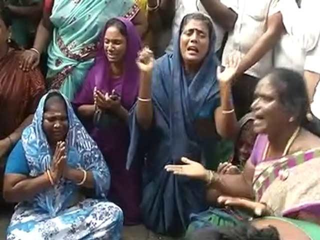 Video : इंडिया 8 बजे : जयललिता लाइफ सपोर्ट सिस्टम पर