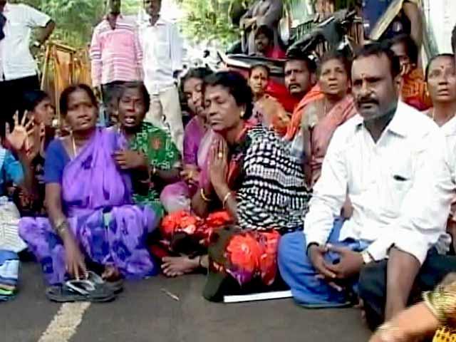 Video : प्राइम टाइम इंट्रो : जयललिता की हालत नाजुक, समर्थकों में बेचैनी
