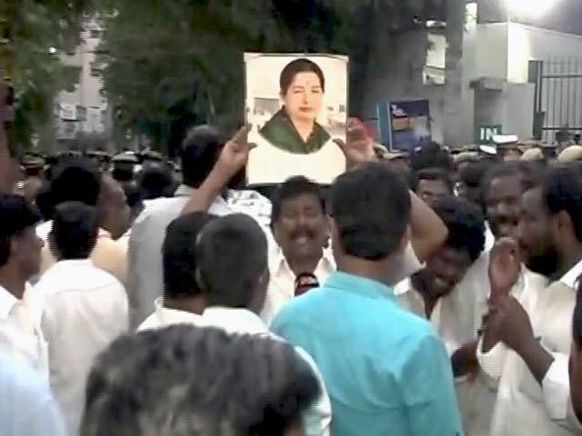 Videos : नेशनल रिपोर्टर : जयललिता की हालत लगातार बेहद नाजुक