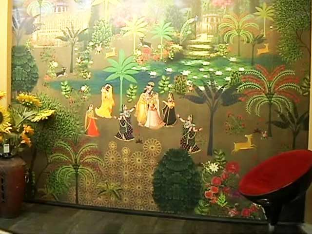 Video : Wall Coverings Score Over Paints