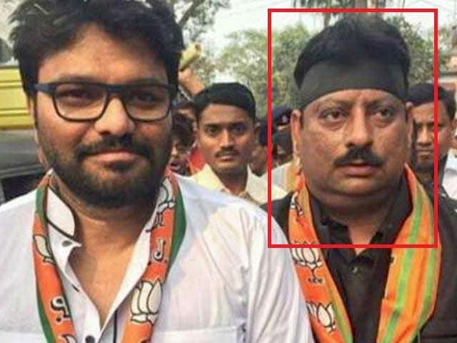Videos : पश्चिम बंगाल : पूर्व बीजेपी नेता के पास से मिले 33 लाख रुपये के 2000 के नोट
