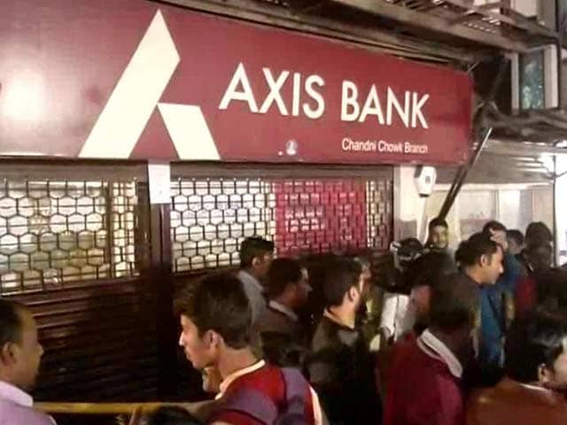 Video : 44 Fake Accounts With Rs. 100 Crore Found In Raids On Delhi Axis Bank Branch