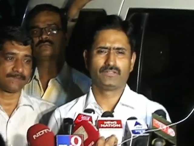 Video : मुंबई मेें 85 लाख रुपये बरामद, चार लोग हिरासत में लिए गए