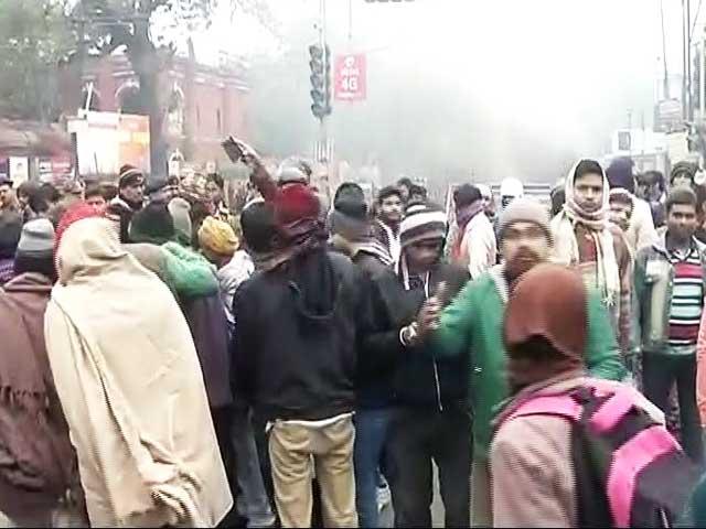 Video : पटना : बदमाश ने गार्ड की हत्या कर ATM लूटा, गुस्साए लोगों का फूटा आक्रोश