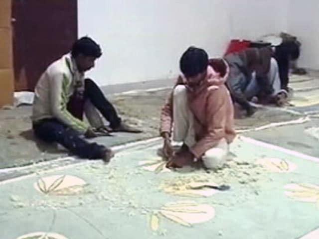 Video : नोटबंदी से भदोही का कारपेट कारोबार ठप, नहीं मिल रहे दिहाड़ी मजदूर