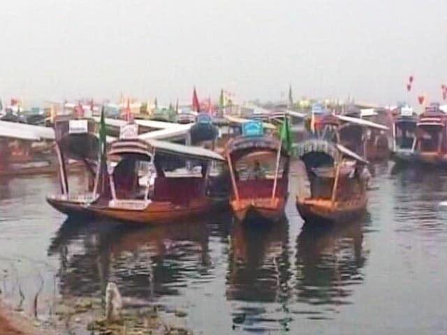 Video : श्रीनगर में तापमान शून्य से नीचे, लेकिन वॉटर स्पोर्ट फेस्टिवल में नौजवानों का उत्साह चरम पर