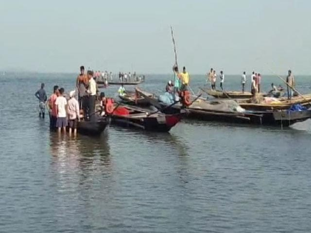 Video : 4 People, Including 2 Babies, Die After Boat Capsizes In Odisha's Lake