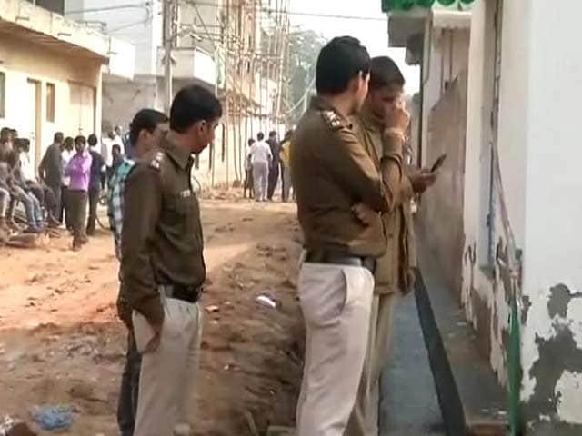 Videos : दिल्ली के रोहिणी इलाके में डबल मर्डर