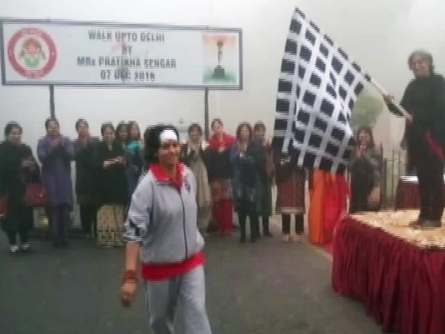 Video : देश की बेटियों की खातिर सेना के अफसर ने की 220 किमी पैदल यात्रा