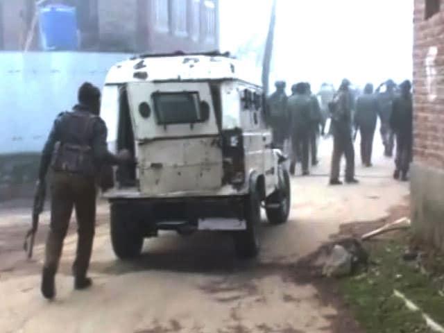 Video : जम्मू-कश्मीर : सुरक्षा बलों ने लश्कर के शीर्ष कमांडर अबू बकर को मार गिराया