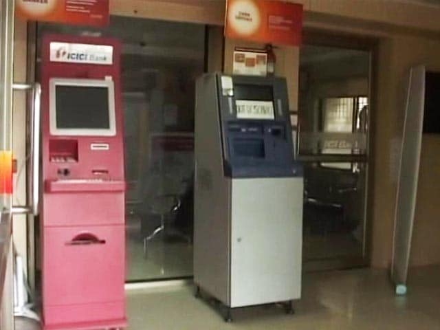 Video : Cyclone Vardah Left Chennai ATMs Out Of Action