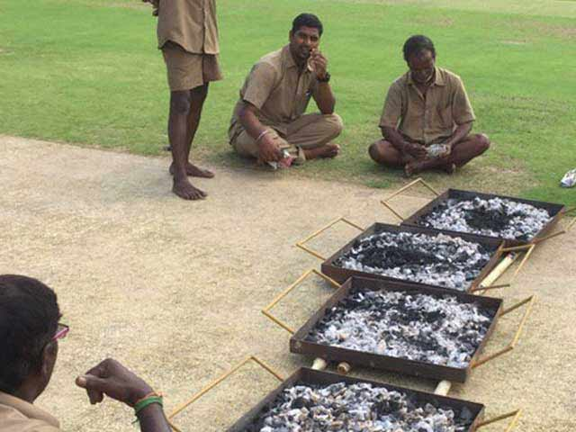 Video : India vs England: Groundsmen Use Burning Coal to Dry Match Strip For 5th Test