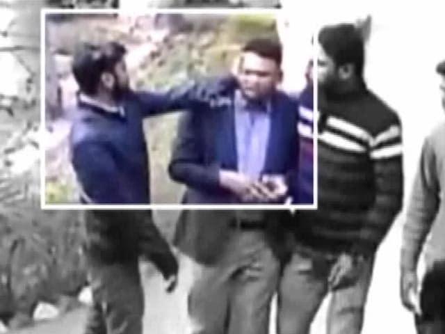 Video : यूपी का महाभारत : अतीक़ अहमद पर यूनिवर्सिटी में मारपीट और लूट का आरोप