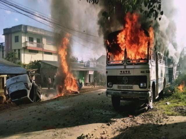 Video : मणिपुर के इंफाल में हिंसा के बाद कर्फ्यू