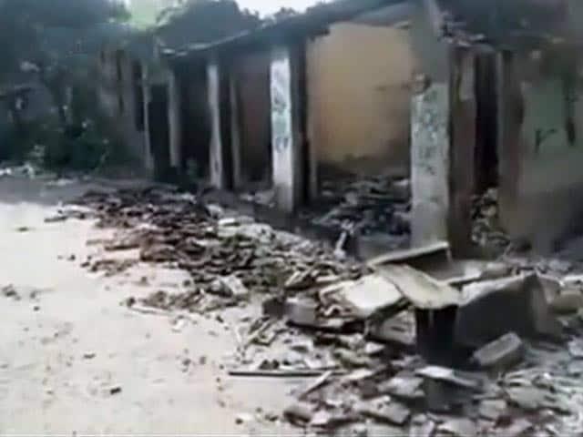 Videos : पश्चिम बंगाल में एक धार्मिक जुलूस को लेकर हिंसा