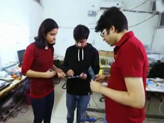 Video : Myles and Cubical Labs: Will They impress Our Mentors?