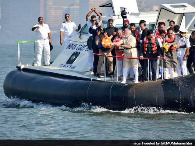 Video : On Board Hovercraft, PM Modi Lays Foundation Stone For Rs. 3,600 Crore Shivaji Memorial