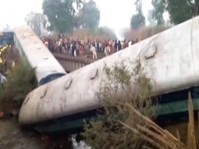 Videos : कानपुर ट्रेन हादसा : अजमेर-सियालदह एक्स. के 15 डब्बे पटरी से उतरे, 2 की मौत