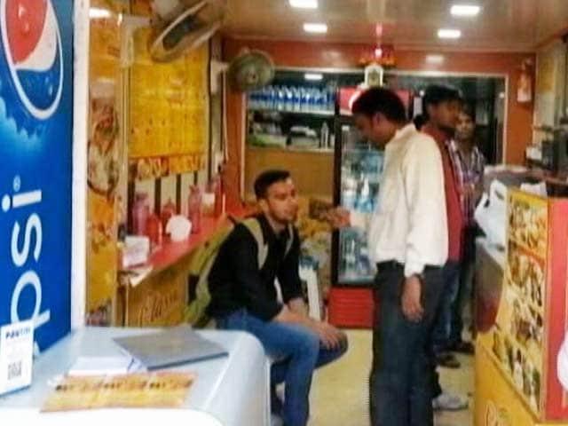 Videos : मुंबई : प्लास्टिक मनी, ई-वॉलेट का चलन बढ़ा, लेकिन छोटे कारोबारियों को फायदा नहीं