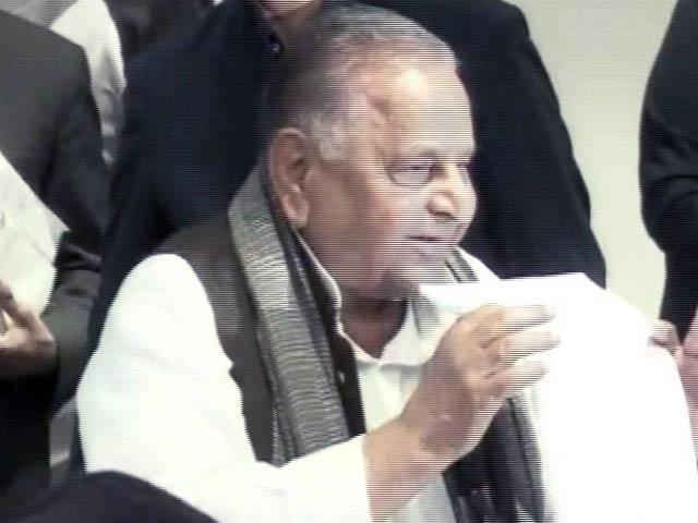 Videos : यूपी का महाभारत : सपा के 325 उम्मीदवारों की सूची जारी, अखिलेश के कई करीबियों का टिकट कटा