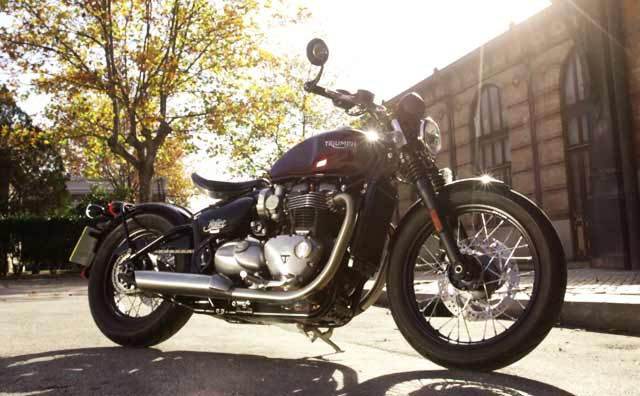 Triumph Bonneville Bobber First Look